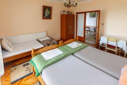 Спальня 2. Черногория, Зеленика : Апартамент с 2-мя отдельными спальнями, с террасой