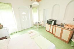 Студия (гостиная+кухня). Черногория, Герцег-Нови : Студия для 2 человек