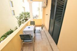 Балкон. Черногория, Святой Стефан : Апартамент для 2-3 человек, с отдельной спальней, с балконом с видом на море