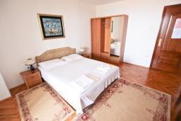 Студия (гостиная+кухня). Черногория, Святой Стефан : Студия с видом на море