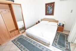 Студия (гостиная+кухня). Черногория, Святой Стефан : Студия в Святом Стефане с видом на море