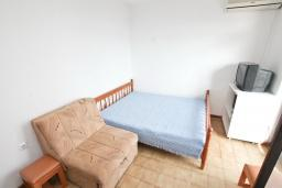 Студия (гостиная+кухня). Черногория, Биела : Студия для 2-3 человек, с балконом с видом на море