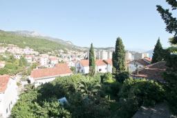 Вид на море. Черногория, Игало : Уютная студия для 2-3 человек, с балконом с видом на море