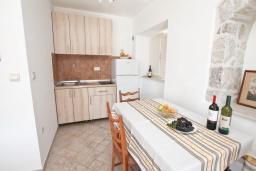 Студия (гостиная+кухня). Черногория, Росе : Студия с видом на море, возле пляжа