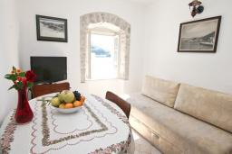 Гостиная. Черногория, Росе : Апартамент с отдельной спальней, с видом на море, возле пляжа