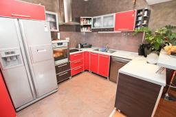 Kitchen. Montenegro, Przno & Milocer : Villa with 2 bedrooms in Przno & Milocer for 6 guests