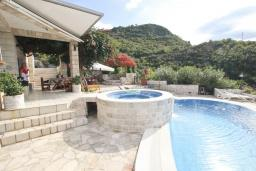 Swimming pool. Montenegro, Przno & Milocer : Villa with 4 bedrooms in Przno & Milocer for 12 guests