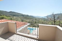 Balcony. Montenegro, Herceg-Novi : Villa with 3 bedrooms in Herceg-Novi for 10 guests