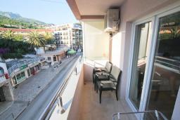 Балкон. Черногория, Игало : Уютный апартамент для 4-6 человек, с 2-мя отдельными спальнями, 20 метров до моря