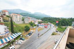 Вид. Черногория, Игало : Современный апартамент с отдельной спальней