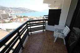 Черногория, Игало : Трехместный номер с балконом и видом на море
