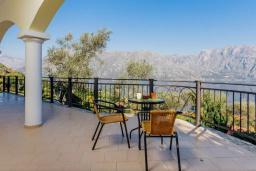 Терраса. Черногория, Муо : Вилла с бассейном и шикарным видом на море, гостиная, 6 спален, 3 ванные комнаты, Wi-Fi