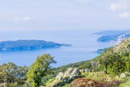 Вид на море. Черногория, Пржно / Милочер : Роскошная вилла с бассейном и джакузи, гостиная, 3 спальни, 4 ванные комнаты, терраса с шикарным видом на море, парковка, Wi-Fi