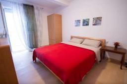 Спальня 2. Черногория, Будва : Апартамент с гостиной, двумя спальнями и большим балконом с видом на море