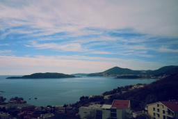 Вид на море. Черногория, Пржно / Милочер : Вилла с шикарным видом на море, двумя гостиными, четырьмя спальнями, тремя ванными комнатами, гаражом, Wi-Fi