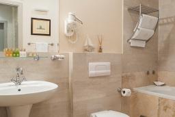 Ванная комната. Черногория, Доброта : Суперлюкс