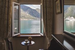 Вид на море. Черногория, Доброта : Семейный люкс