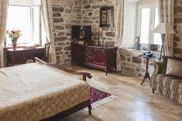 Спальня. Черногория, Доброта : Семейный люкс