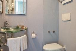 Ванная комната. Черногория, Доброта : Стандартный номер на массандре