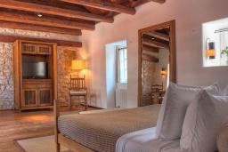 Спальня. Черногория, Святой Стефан : Village Room