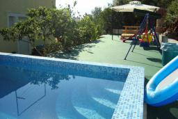 Swimming pool. Montenegro, Krasici : Villa with 3 bedrooms in Krasici for 10 guests