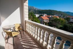 Балкон. Черногория, Будва : Трехместный номер