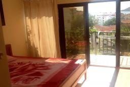 Спальня 3. Черногория, Будва : Четырехэтажный дом с двумя гостиными, двумя кухнями, 6 спален, 6 ванных комнат, гараж, сауна