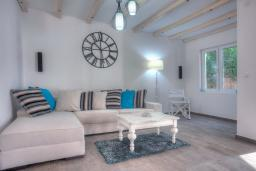 Living room. Montenegro, Budva : Villa with 3 bedrooms in Budva for 6 guests