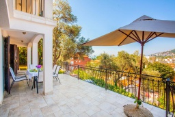 Terrace. Montenegro, Budva : Villa with 9 bedrooms in Budva for 15 guests