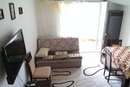 Гостиная. Черногория, Селяново : Апартамент с гостиной и отдельной спальней