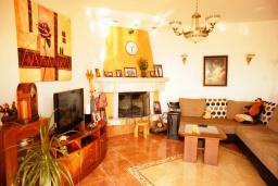 Гостиная. Черногория, Шушань : Дом с видом на море, 4 спальни, 2 ванные комнаты, 2 террасы, парковка, место для барбекю