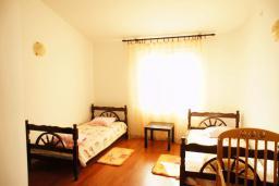 Спальня 2. Черногория, Шушань : Дом с видом на море, 4 спальни, 2 ванные комнаты, 2 террасы, парковка, место для барбекю