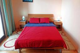 Спальня 2. Черногория, Сутоморе : Вилла с видом на море в 100 метрах от пляжа, гостиная, три спальни, дворик, место для барбекю, парковка