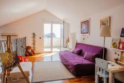 Гостиная. Черногория, Будва : Пентхаус с шикарным видом на море, гостиная, 3 спальни, 2 ванные комнаты