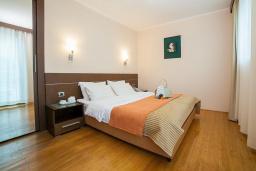 Спальня. Черногория, Ораховац : Люкс с одной спальней и видом на море
