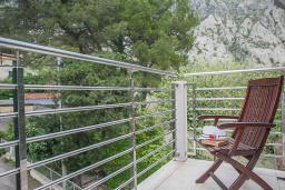 Балкон. Черногория, Ораховац : Люкс с одной спальней и видом на горы