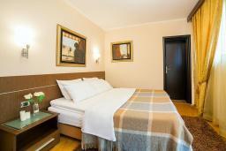 Спальня. Черногория, Ораховац : Люкс с двумя спальнями и видом на море