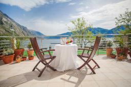 Балкон. Черногория, Ораховац : Люкс с двумя спальнями и видом на море