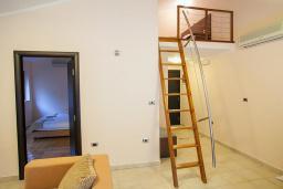 Гостиная. Черногория, Ораховац : Семейный люкс с одной спальней и видом на море