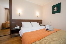 Спальня. Черногория, Ораховац : Семейный люкс с одной спальней и видом на море