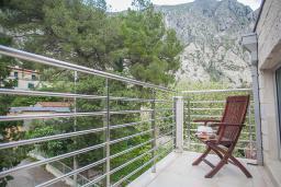 Балкон. Черногория, Ораховац : Семейный люкс с одной спальней и видом на горы