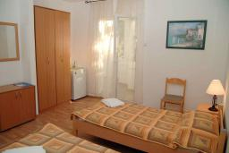 Спальня. Черногория, Сутоморе : Апартамент с гостиной, двумя спальнями и двумя ванными комнатами
