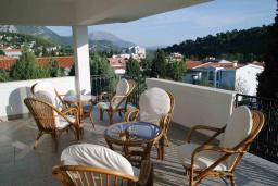 Балкон. Черногория, Сутоморе : Просторный пентхаус с гостиной, тремя спальнями и двумя ванными комнатами