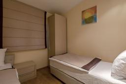 Спальня 2. Черногория, Добра Вода : Апартаменты Делюкс с видом на море
