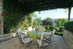 Terrace. Montenegro, Herceg-Novi : Villa with 3 bedrooms in Herceg-Novi for 7 guests