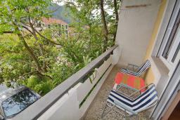 Балкон. Черногория, Доброта : Апартамент с видом на море, гостиная и две отдельные спальни