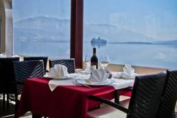 Кафе-ресторан. Azzurro 4* в Баошичи