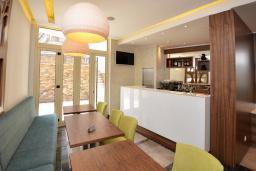 Кафе-ресторан. Atina 4* в Будве