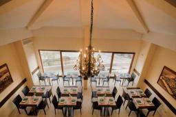 Кафе-ресторан. Lucic 3* в Будве