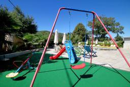 Детская площадка. Aruba 4* в Будве